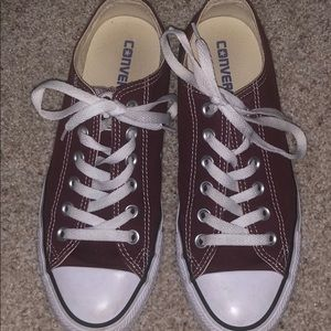 Clean & New Low top Maroon Converse Chuck Taylor